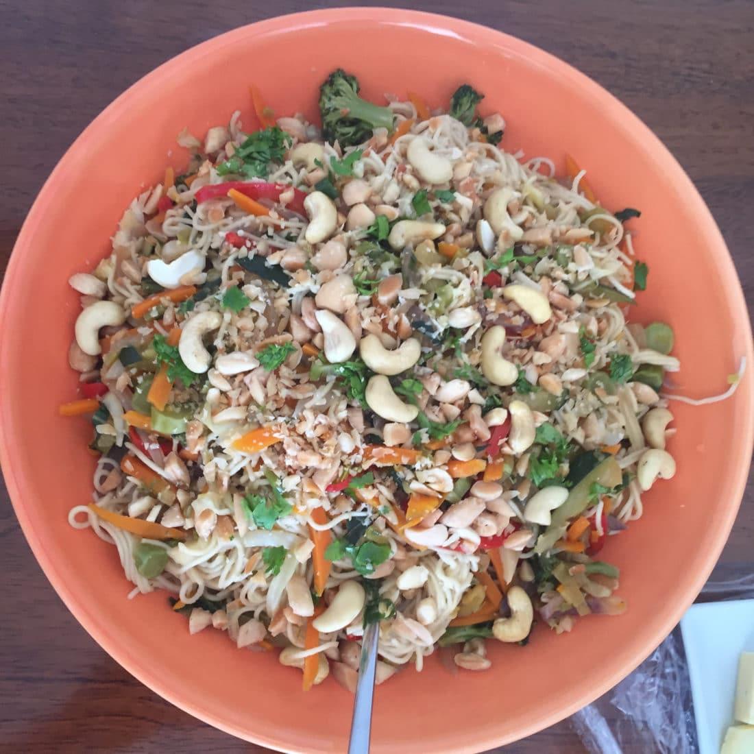 Mittagessen: Nussiger Nudelsalat