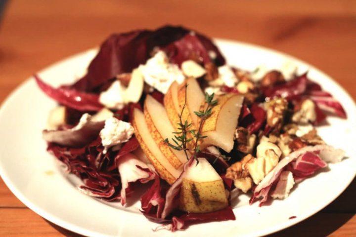 Radicchio Rezept: Salat mit Birnen und Nüssen