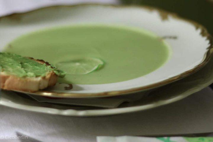 Avocadosuppe – mal was anderes auf deinem Teller