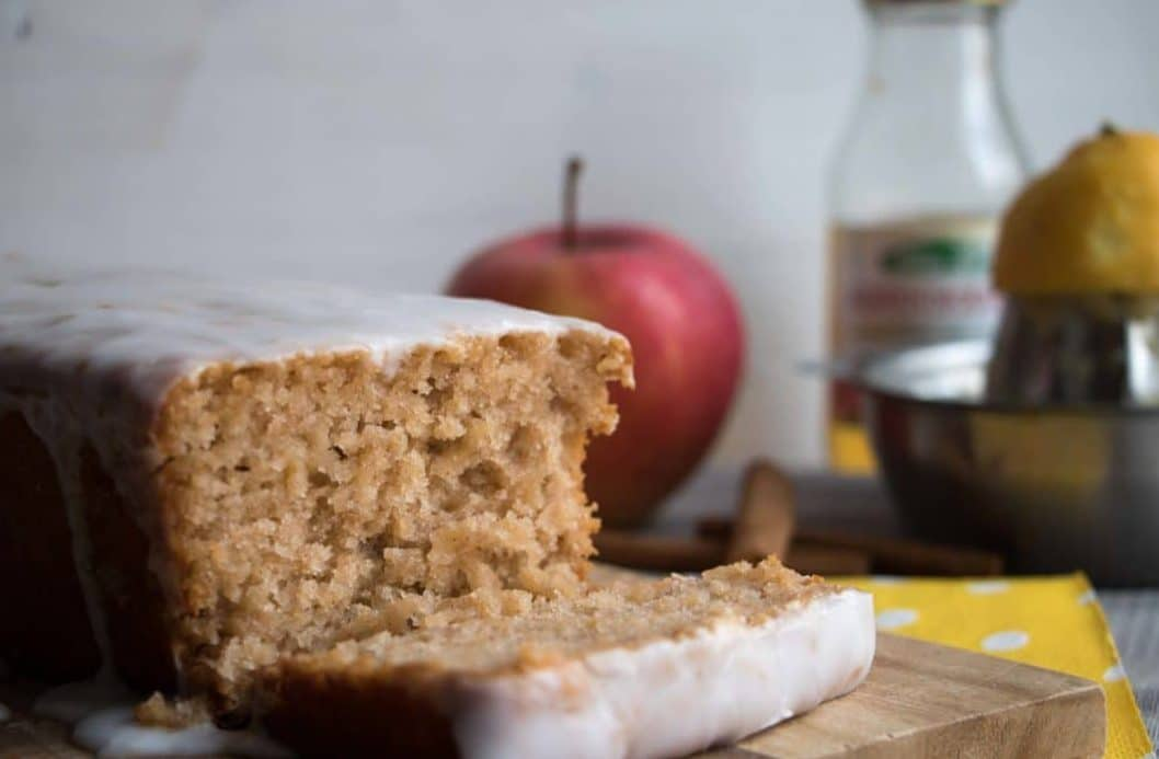 veganer Apfelkuchen mit Zimt