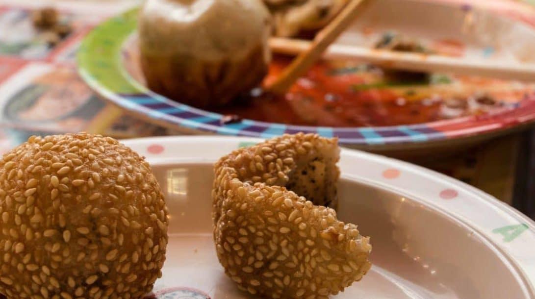 Essen in Tokio Dumplings und Reisbaellchen