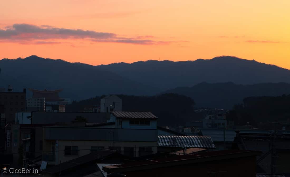 Sonnenuntergang in Takayama, Japan