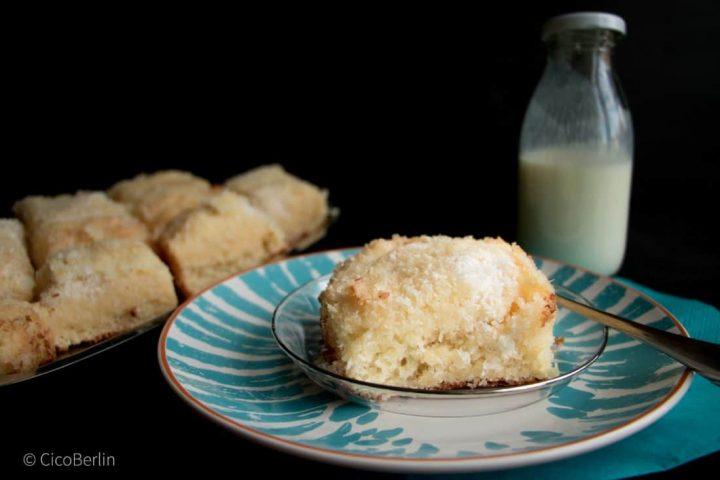 Schneller Buttermilchkuchen mit Kokos – der macht süchtig!