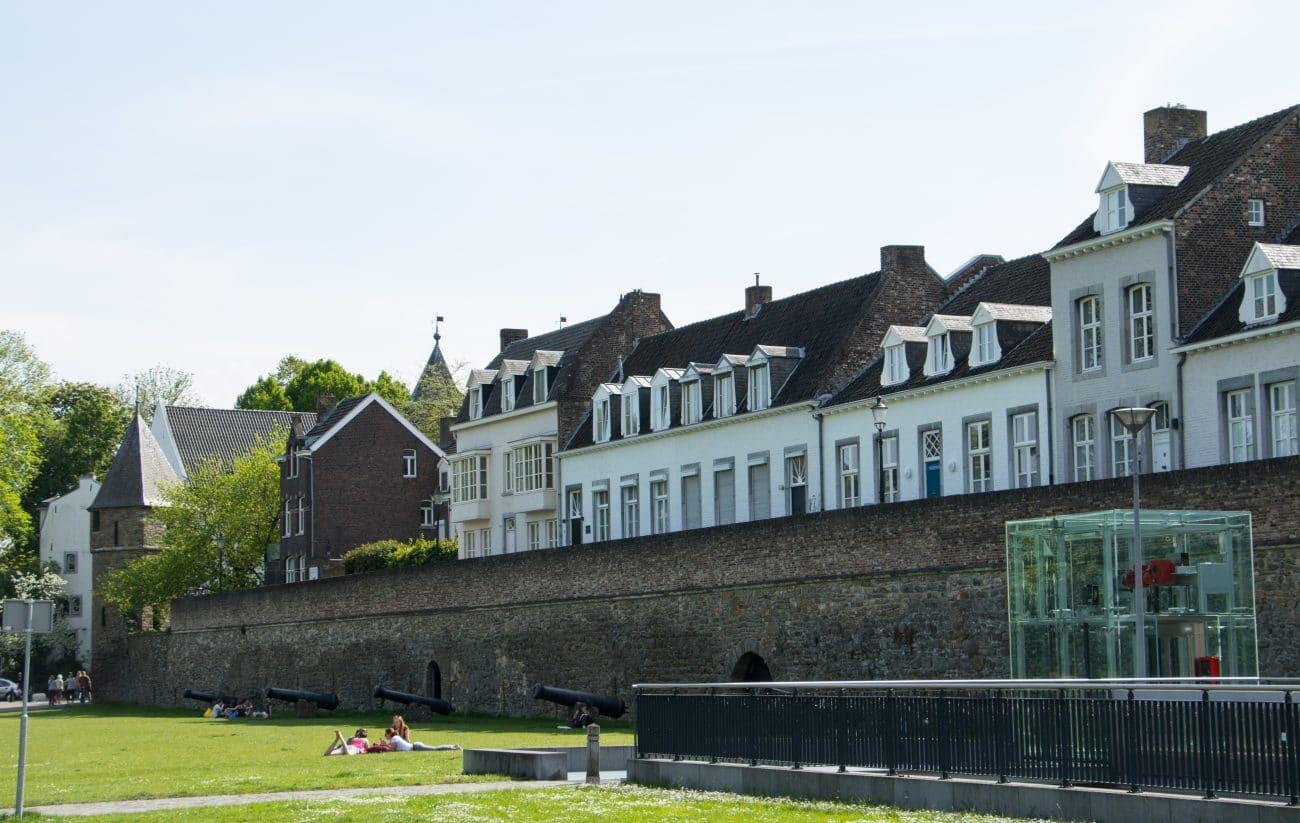 Tops und Flops in Maastricht - Stadtmauer