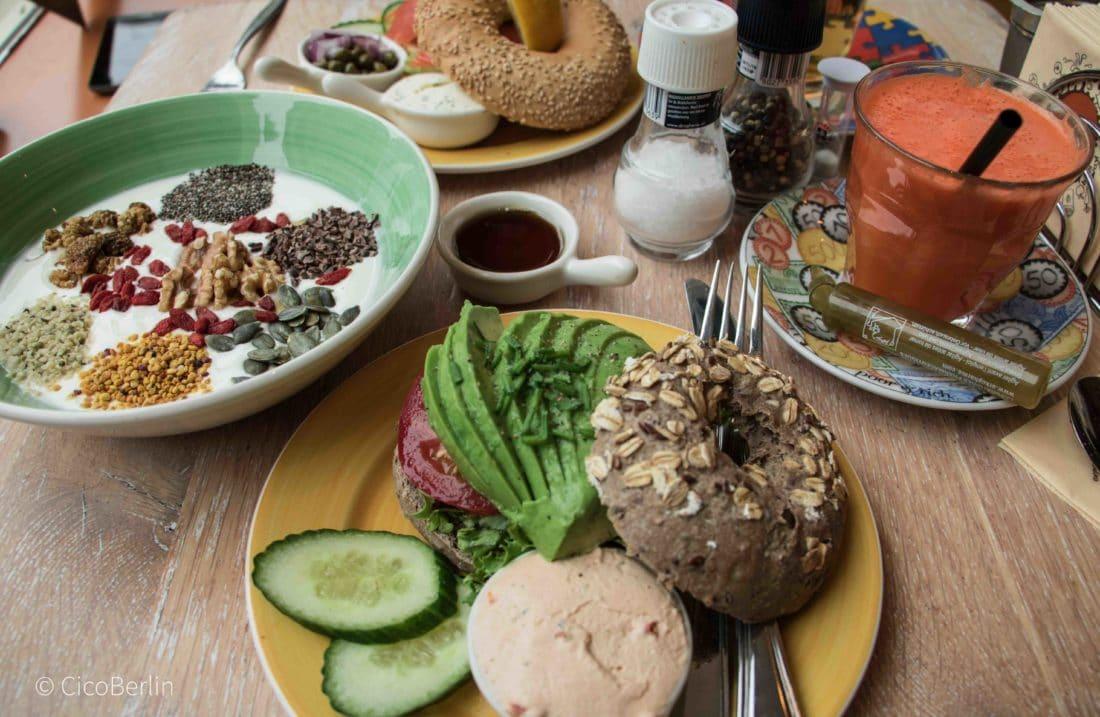 Best of Amsterdam Restaurants und Cafés / Best of Amsterdam Restaurants and Cafés- Bagels and Beans