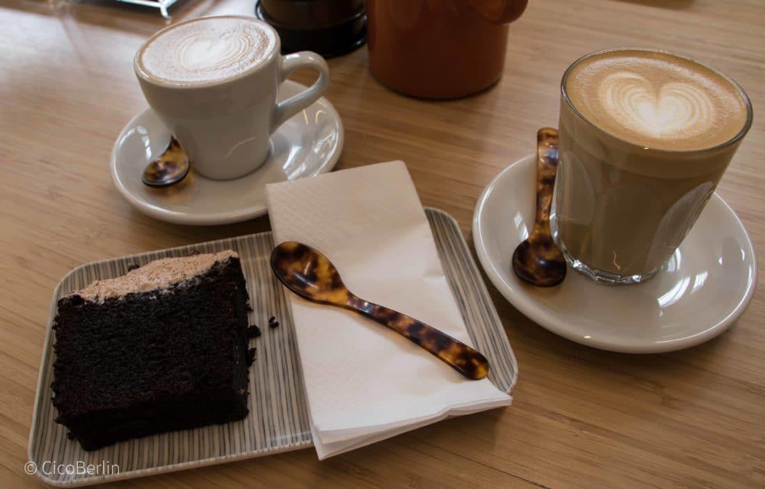 Best of Amsterdam Restaurants und Cafés/ Best of Amsterdam Restaurants and Cafés - Toki Coffee