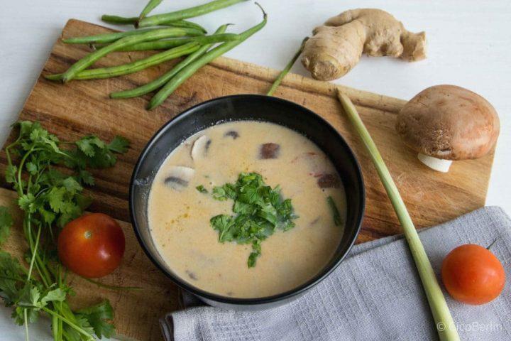 Asiatisch Kochen: die schnelle Tom Kha Gai Suppe