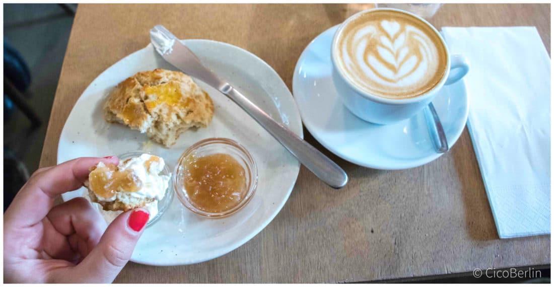 Cafes in Paris, Fragments