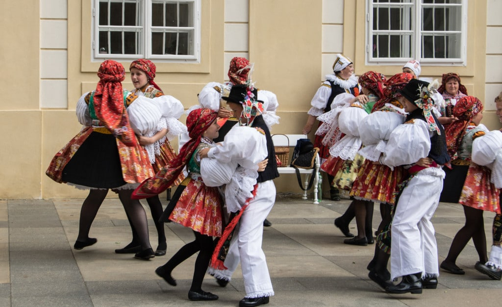 die Highlights in Prag, traditioneller Tanz
