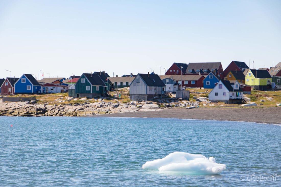 Eisberge bei der Bootsfahrt in der Diskobucht, Grönland - Bericht und Foto von CicoBerlin