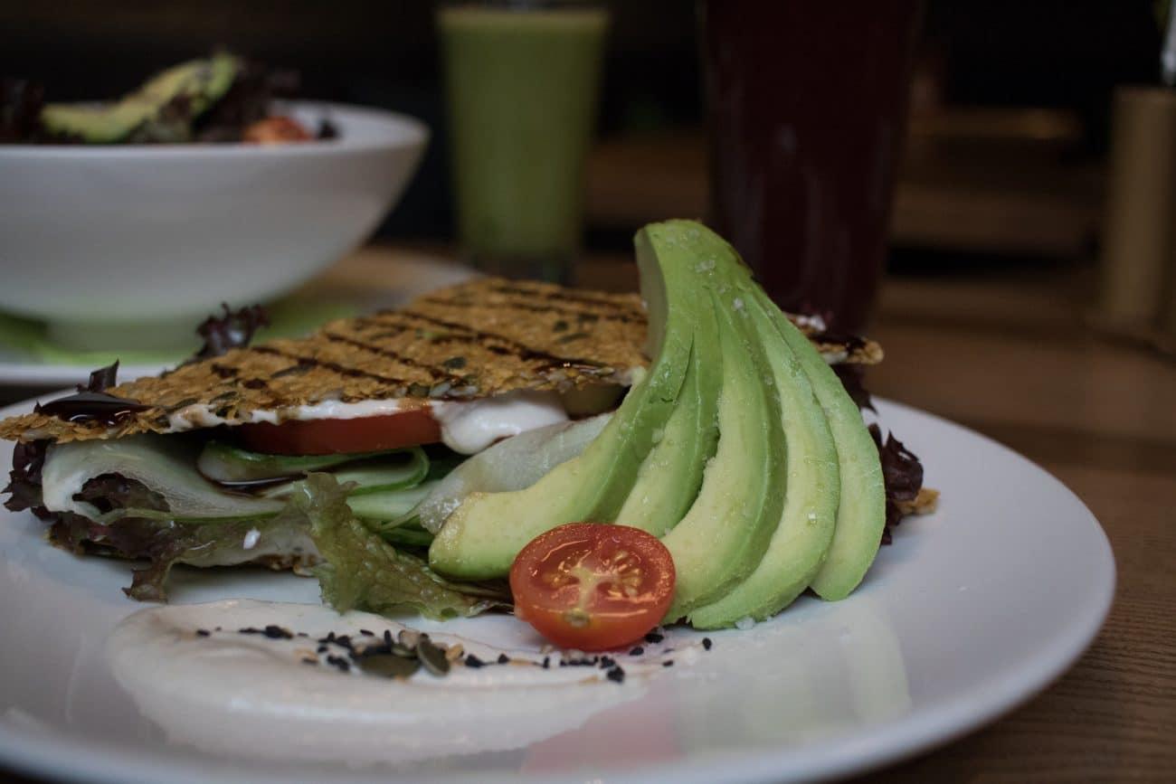 15 Riga Highlights - No 15 Essen im Café Raw Garden, Artikel von PASSENGER X