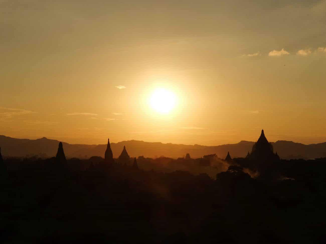 PASSENGER X Sabbatical Interview mit Sandra_Myanmar_Sunset_Bagan