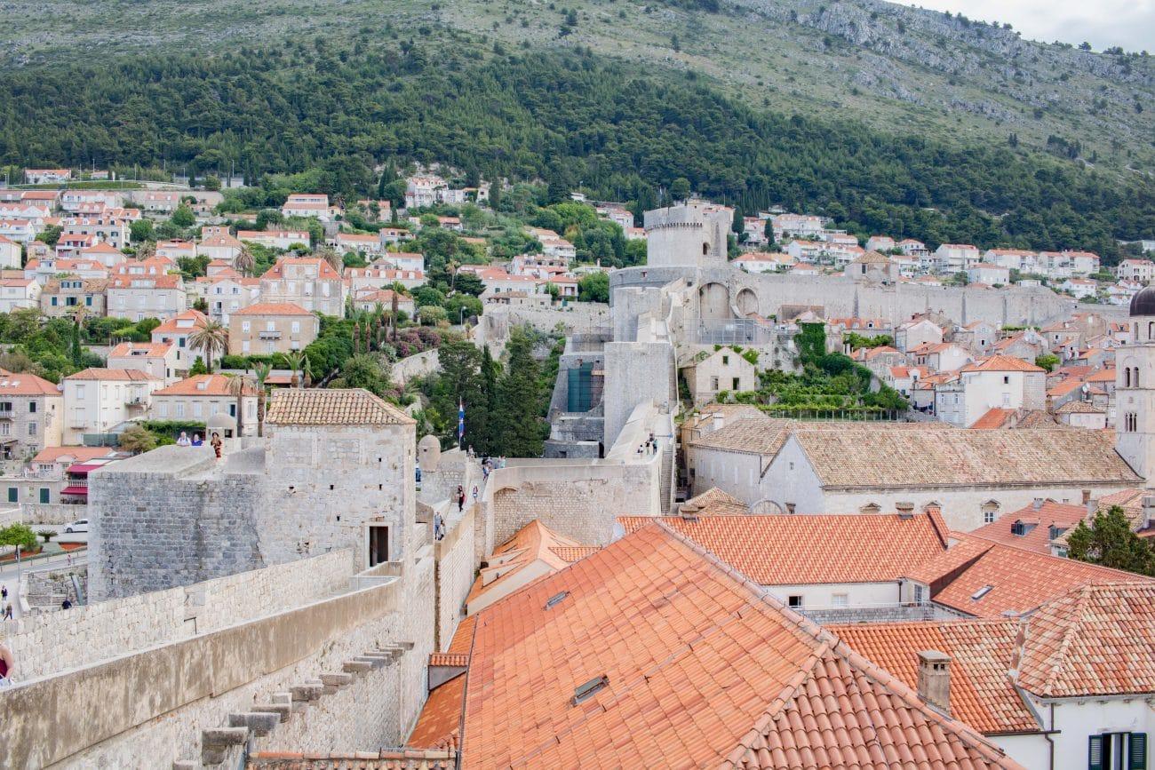 Dubrovnik Stadtmauer_ Dubrovnik Sehenswuerdigkeiten und Tipps von PASSENGER X