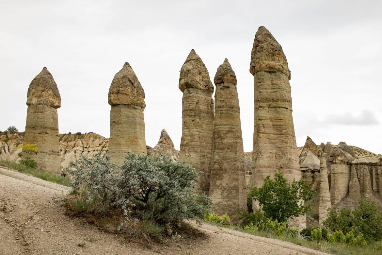 Im Tal der Riesenpenisse - ein Artikel von PASSENGER X ………………………… Feenkamine im Love Valley im Göreme Nationalpark, Kappadokien, Türkei