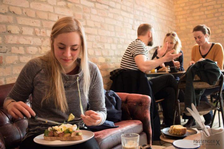 Hip aber leider nur mittelmäßig – Distrikt Coffee in Berlin