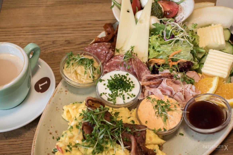 Marktfrisch frühstücken kann man in Berlin Schöneberg bei Luna am Markt - ein Tipp von PASSENGER X