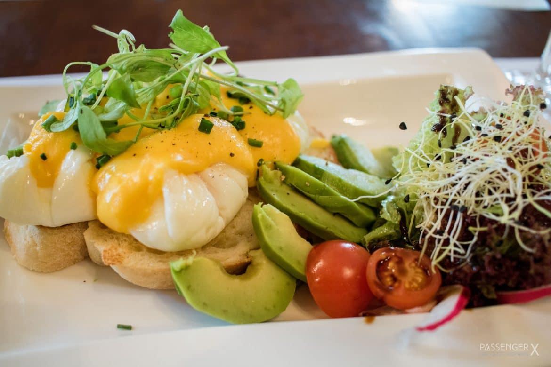 PASSENGER X verrät 7 Zagreb Restaurant Tipps. Dieses köstliche Frühstück gibt es in der Omletterie Eggspress. Mehr Empfehlungen gibt es auf PASSENGER X.