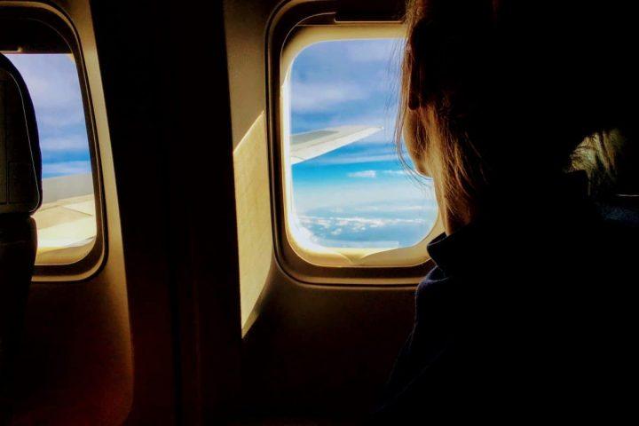 Endlich Ruhe beim Fliegen dank elektronischer Ohrstöpsel?