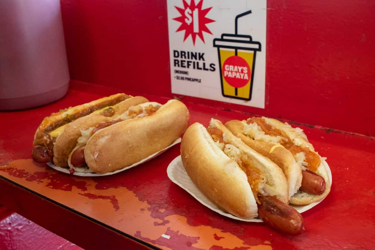 5 Tage New York Insider Tipp: Der beste Hot Dog New Yorks bei Papaya Hot Dogs