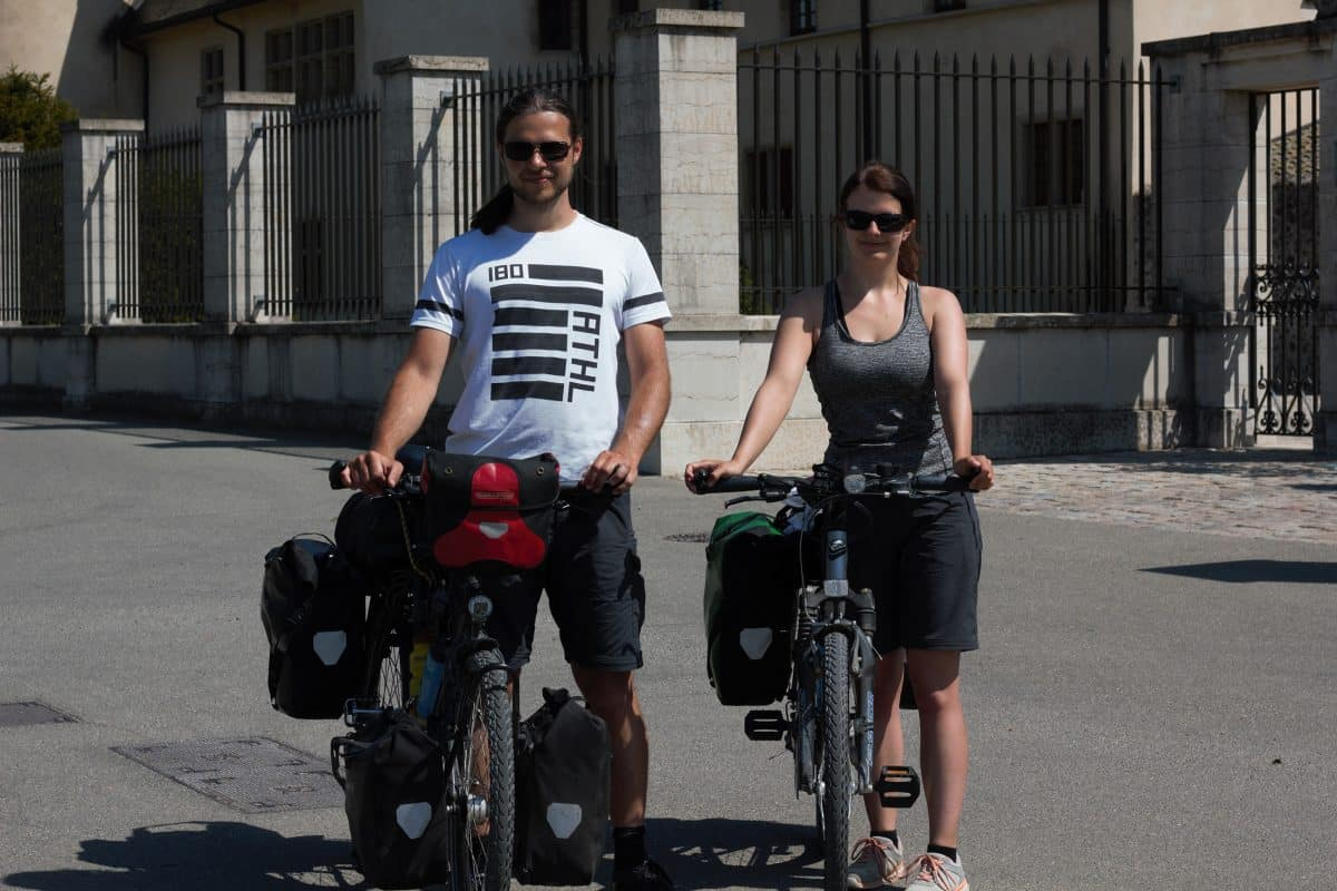 Mit dem Fahrrad von München bis Südspanien - diesen Wunsch hat sich Silvia in ihrem Sabbatical erfüllt. Auf PASSENGER X erzählt sie dir im Interview, wie es war und was es gekostet hat.