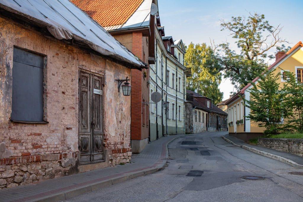 Lettland Sehenswürdigkeiten - Nationalpark Gauja per Road Trip - Altstadt Cesis -Artikel von PASSENGER X