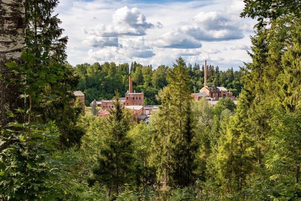 Lettland Sehenswürdigkeiten - Nationalpark Gauja per Road Trip - Papierfabrik Ligatne -Artikel von PASSENGER X