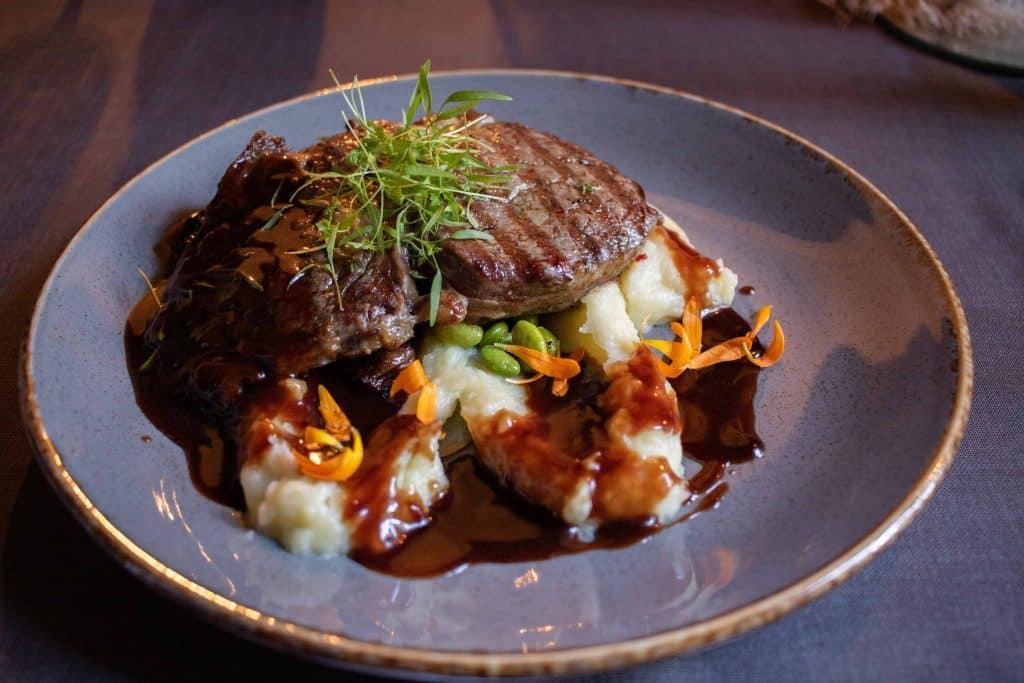 Sigulda - Restaurant -Artikel von PASSENGER X