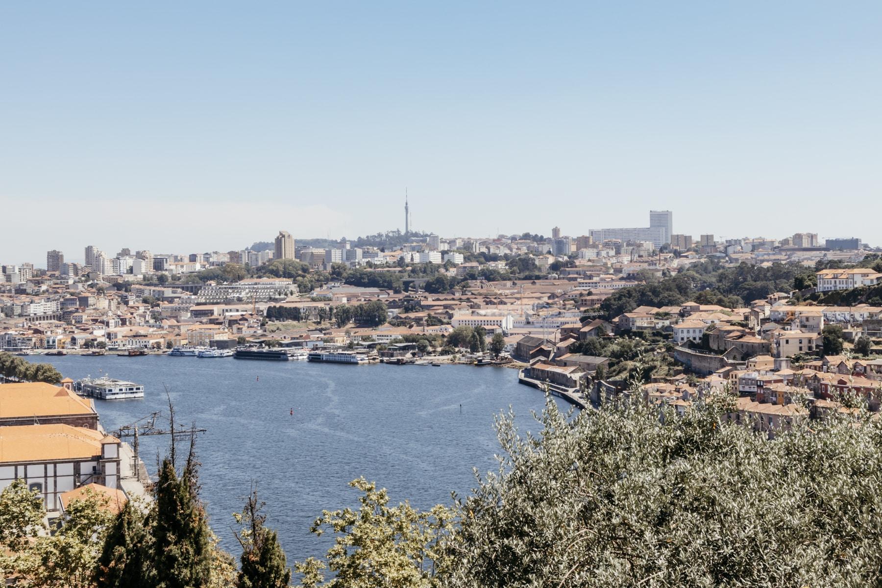 Porto Aussicht auf die Stadt vom Jardins do Palácio de Cristal