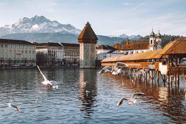 Kapellbrücke- Einer von 9 Luzern Reise Tipps auf PASSENGER X: