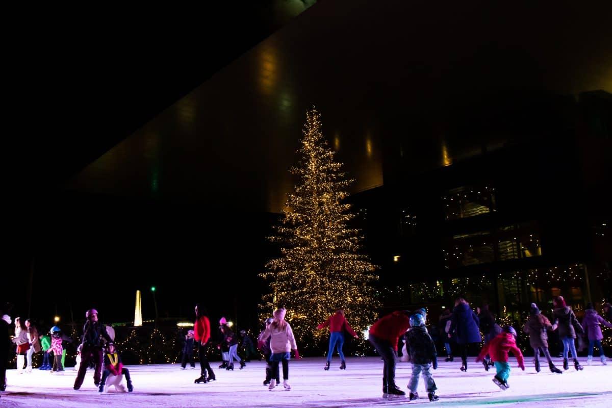 Live on Ice - Rudolf Weihachtsmarkt - Einer von 9 Luzern Reise Tipps auf PASSENGER X: