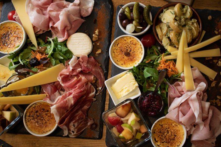 La Cantine d'Agusta – die Berliner Weinstube mit grandiosem Frühstück und weltbestem Käse