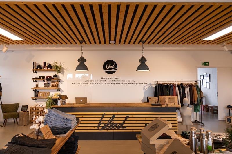 Blogger Fichtelgebirge Geheimtipp für nachhaltiges Shopping - bleed clothing_Foto PASSENGER X