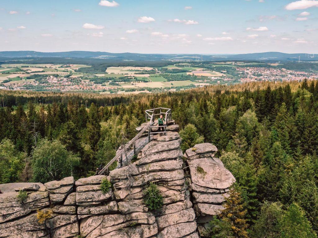 Geheimtipps Fichtelgebirge Sehenswürdigkeiten: Burgsteinfelsen und Haberstein_Drohnenaufnahme Reiseblog PASSENGER X