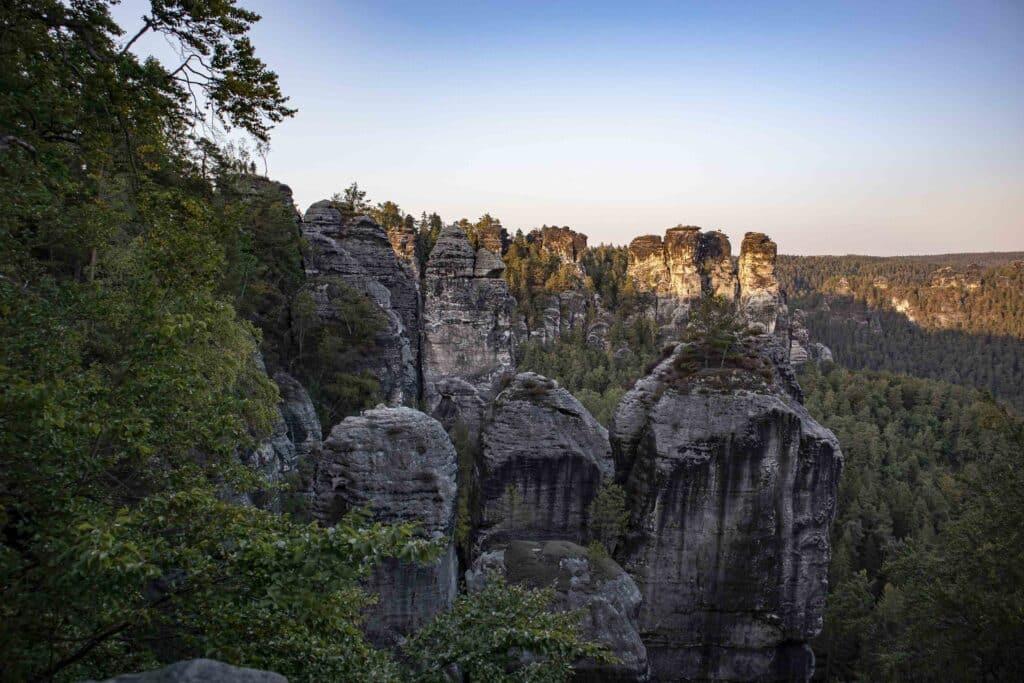 Wandern im Elbsandsteingebirge: unterwegs auf dem Malerweg_Schrammsteine Sächsische Schweiz_PASSENGER X