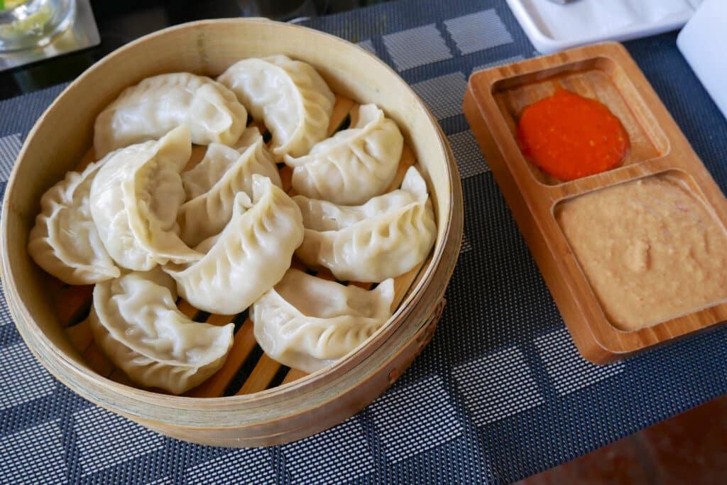Momos - Nepalesische Küche beim Annapurna Trekking PASSENGER X