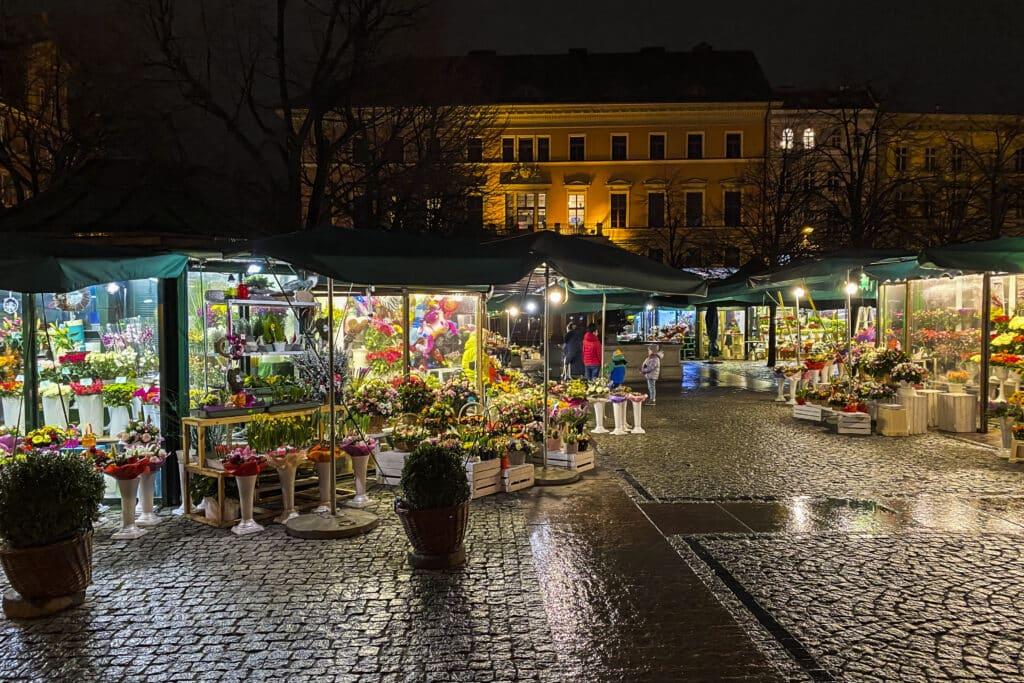 Blumenmarkt Salzring Breslau bei Nacht