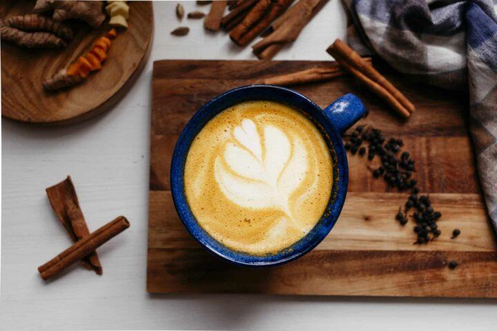 Goldene Milch aka Kurkuma Latte einfach selbst gemacht