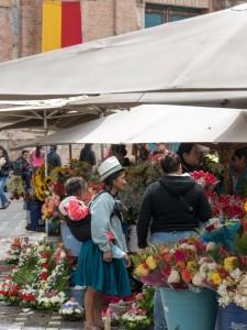Ecuador Sehenswürdigkeiten-Cuenca Blumenmarkt