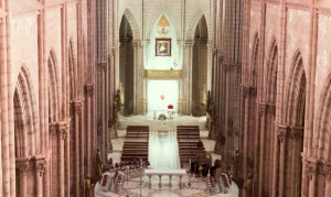 Sehenswürdigkeiten Ecuador Reise Basilica-del-Voto-Nacional
