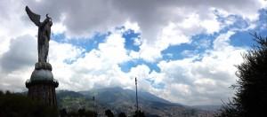 Sehenswürdigkeiten Ecuador Reise Virgen-de-Quito3
