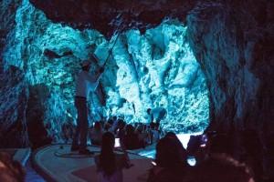 Split Sehenswürdigkeiten -die atemberaubende blaue Grotte _ von PASSENGER-X
